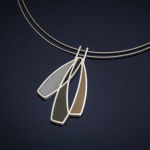 Necklace pendant with mixed metals
