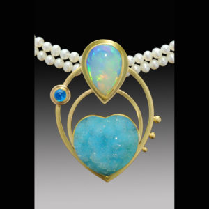 Gold and blue pendant with pearls